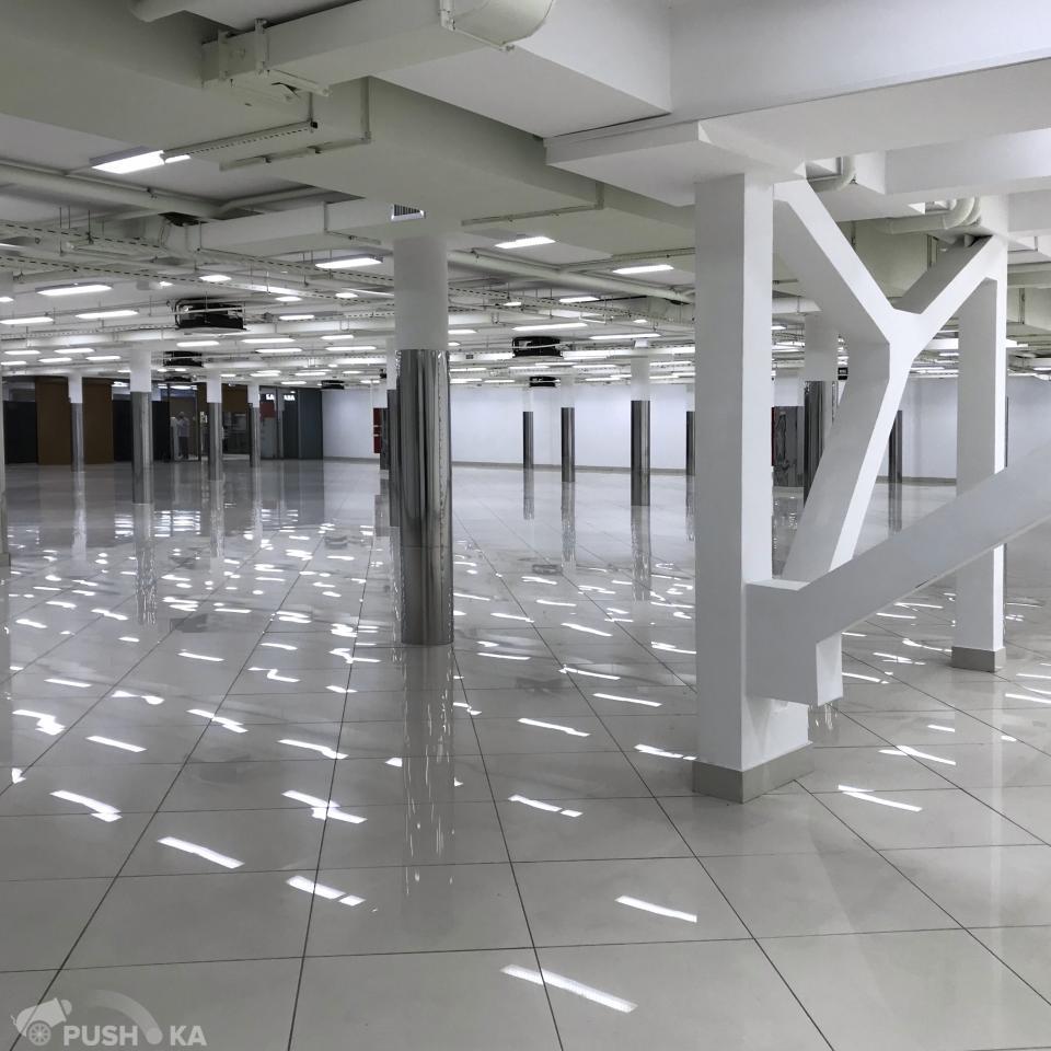 Сдаётся  торговая площадь 1200.0 кв.м.  за 1 000 000 руб
