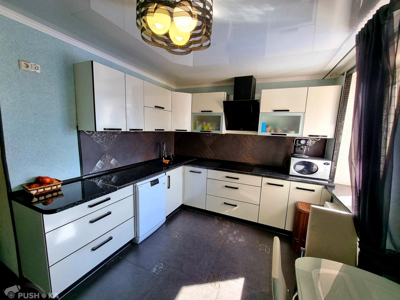 Продаётся 2-комнатная квартира 68.0 кв.м. этаж 9/10 за 4 400 000 руб