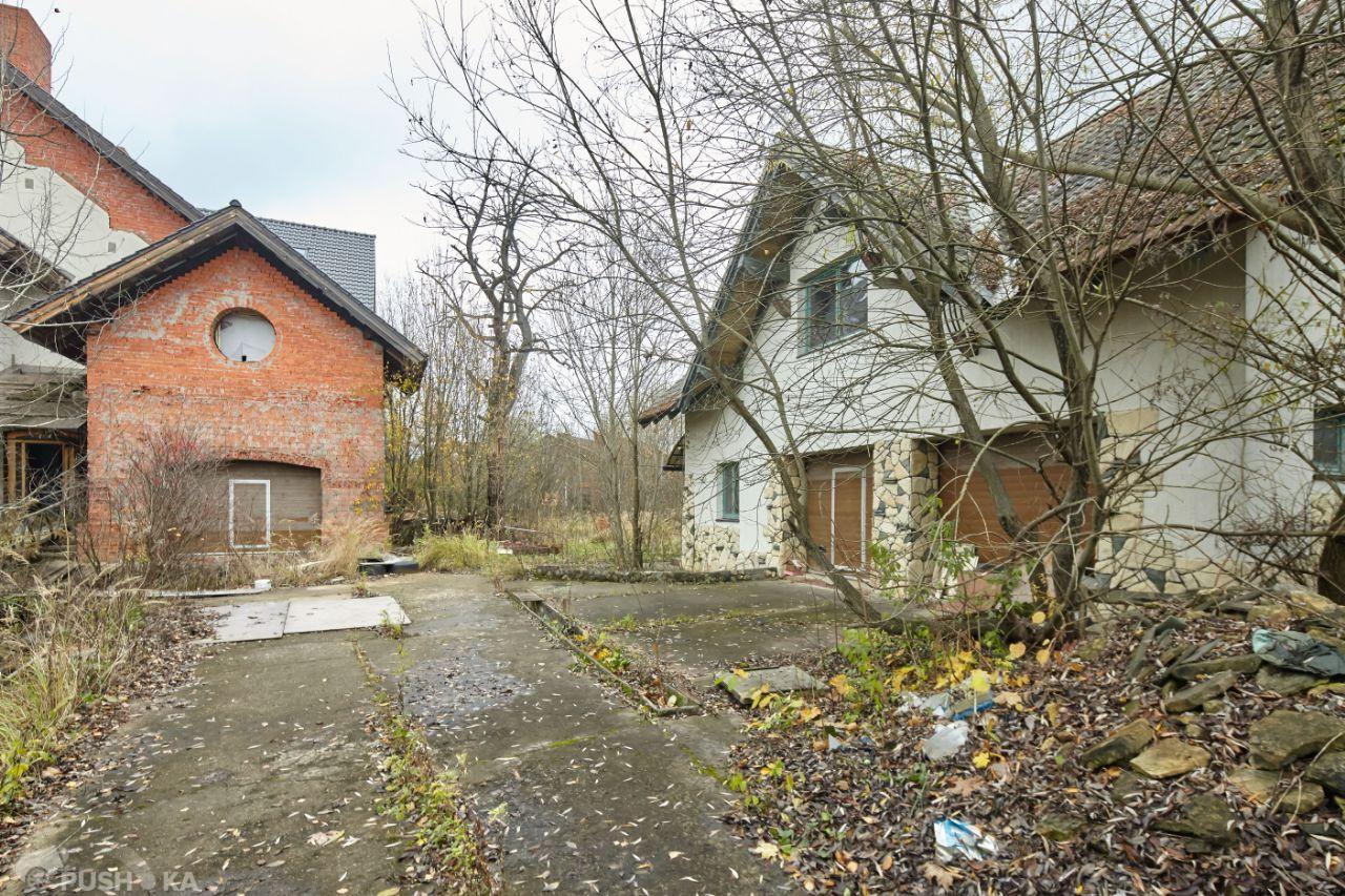 Продаётся  коттедж 2000.0 кв.м.  за 140 000 000 руб