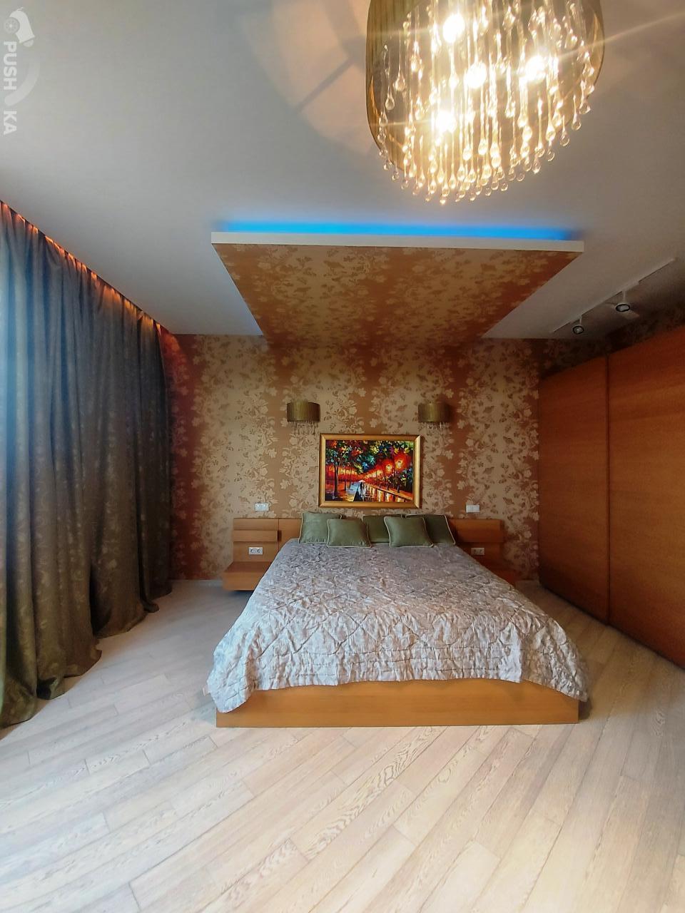 Сдаётся 4-комнатная квартира 195.0 кв.м. этаж 8/12 за 200 000 руб