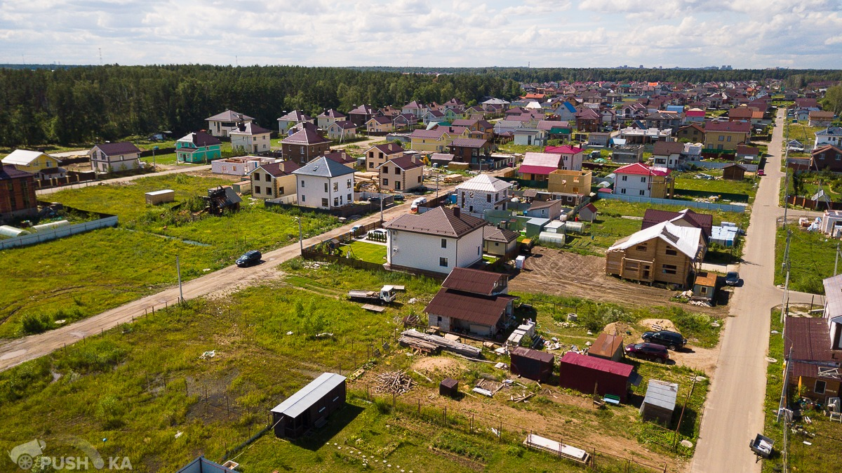 Продаётся  участок 7.4 сот. за 1 800 000 руб
