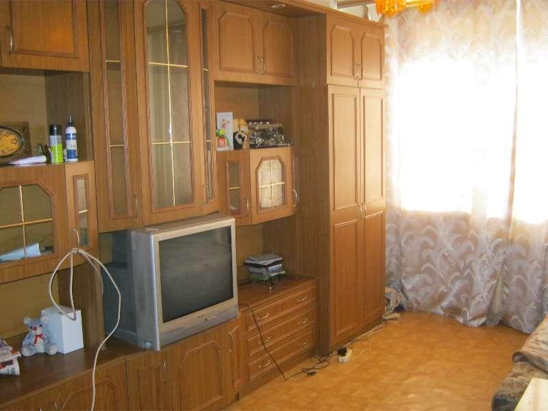 Продаётся 2-комнатная квартира 42.4 кв.м. этаж 1/5 за 2 400 000 руб