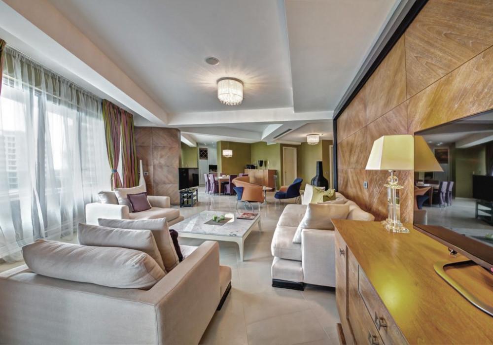 Продаётся 2-комнатная квартира 240.0 кв.м.  за 1 348 988 EUR