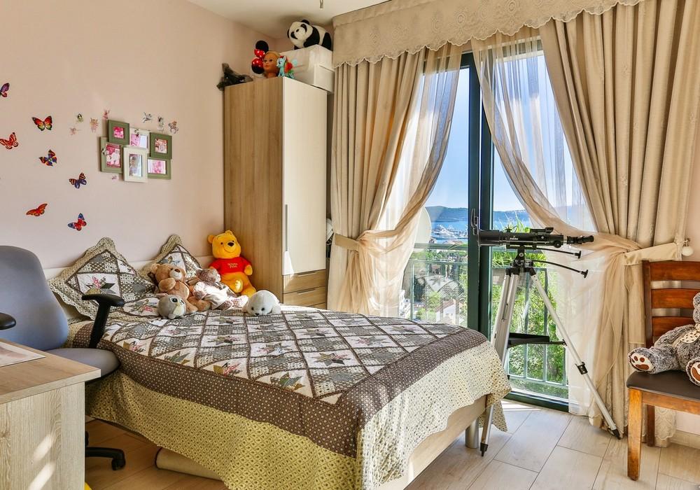 Продаётся 3-комнатная  240.0 кв.м.  за 697 000 EUR