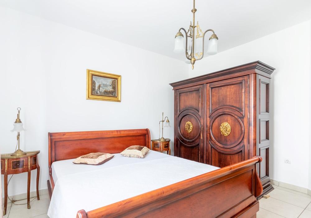 Продаётся 5-комнатная  530.0 кв.м.  за 3 800 000 EUR