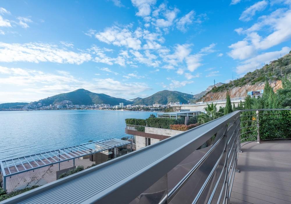 Продаётся 2-комнатная квартира 156.0 кв.м.  за 850 000 EUR