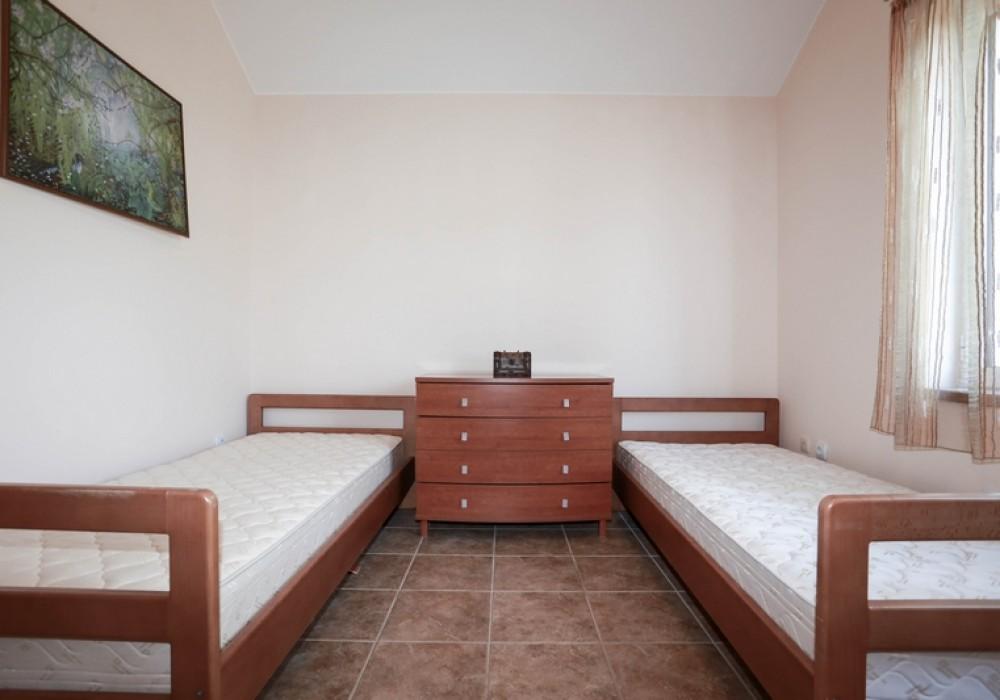 Сдаётся 4-комнатная    за 180 EUR