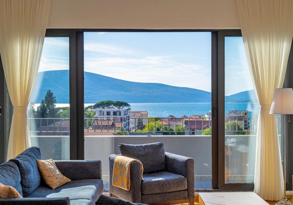 Продаётся 3-комнатная квартира 129.0 кв.м.  за 330 000 EUR