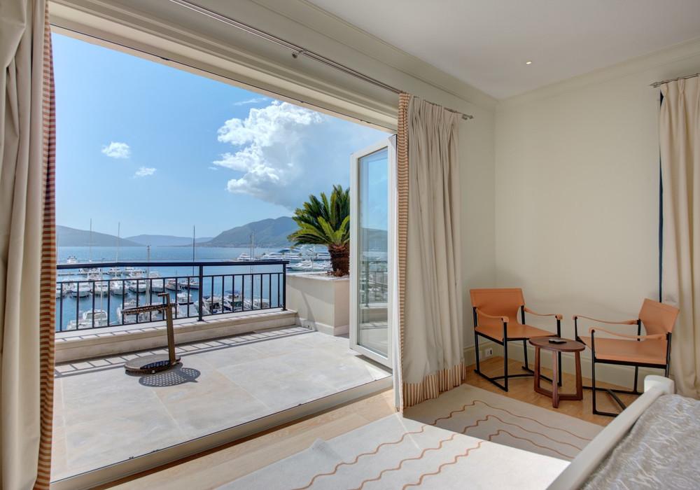 Продаётся 2-комнатная квартира 288.0 кв.м.  за 1 800 000 EUR