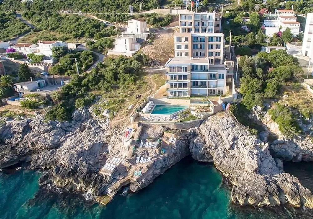 Продаётся 2-комнатная квартира 86.0 кв.м.  за 172 000 EUR