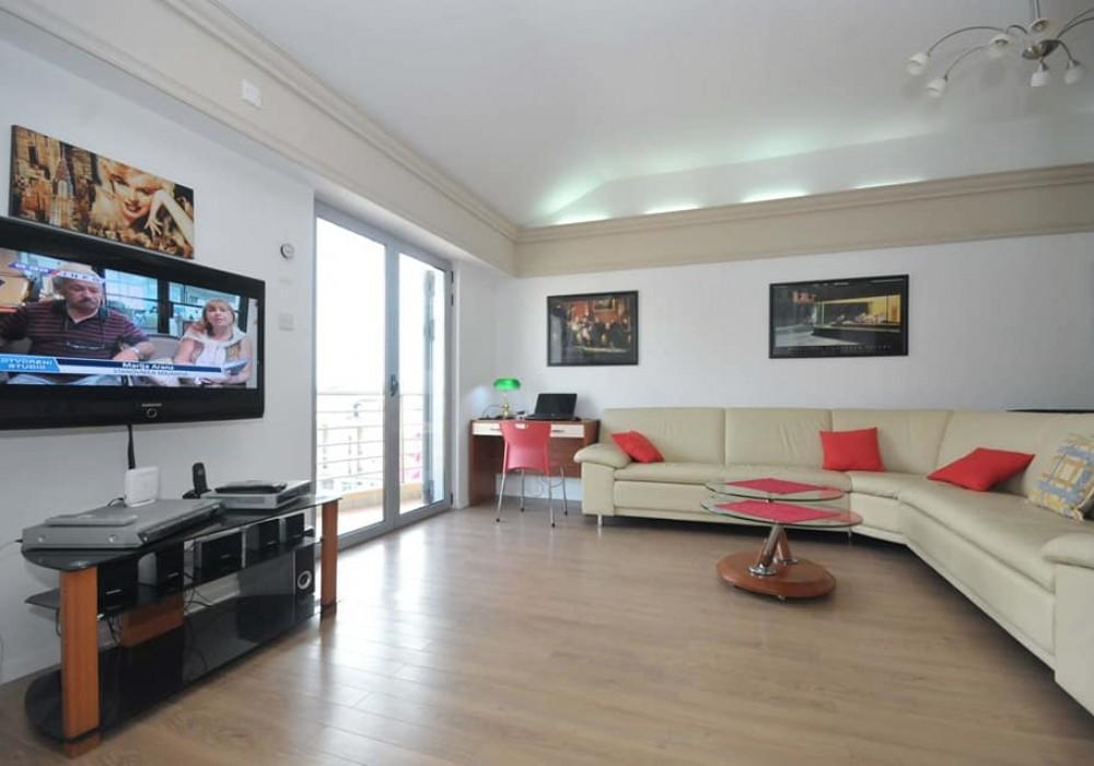 Сдаётся 2-комнатная квартира 58.0 кв.м.  за 350 EUR