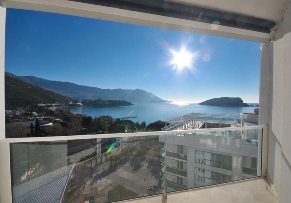 Продаётся 2-комнатная квартира 104.0 кв.м.  за 468 000 EUR