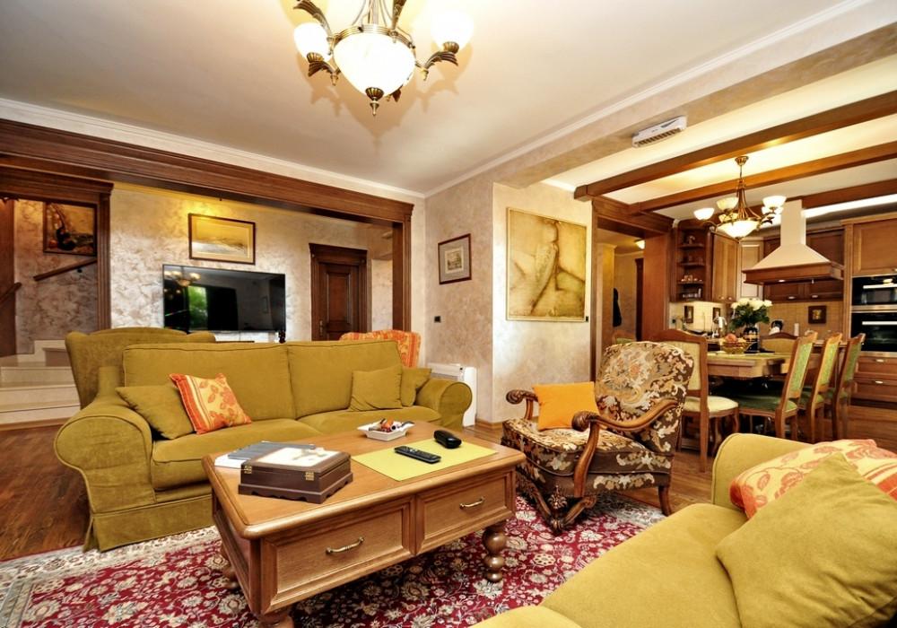 Продаётся 5-комнатная  400.0 кв.м.  за 550 000 EUR