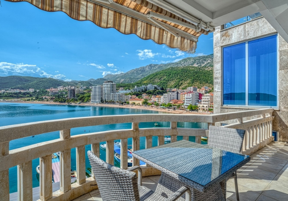 Продаётся 2-комнатная квартира 69.0 кв.м.  за 250 000 EUR