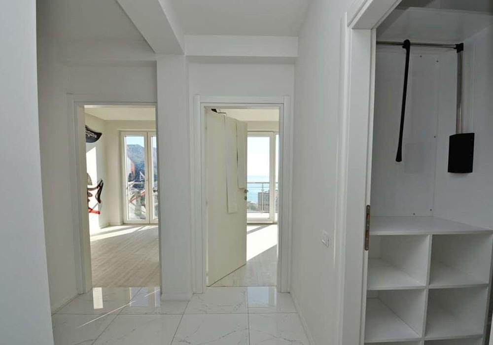 Продаётся 3-комнатная квартира 131.0 кв.м.  за 265 000 EUR