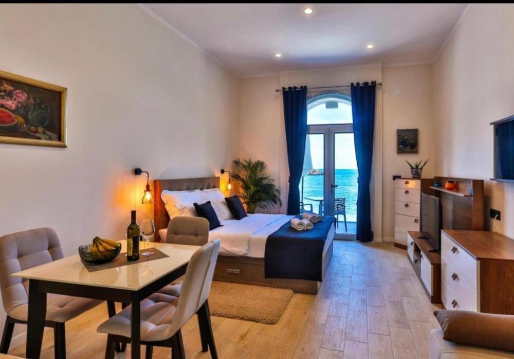 Продаётся 5-комнатная квартира 418.0 кв.м.  за 2 200 000 EUR