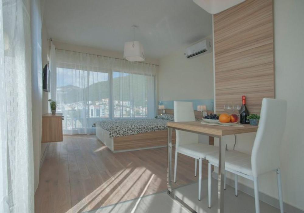 Продаётся 2-комнатная квартира 72.0 кв.м.  за 265 000 EUR
