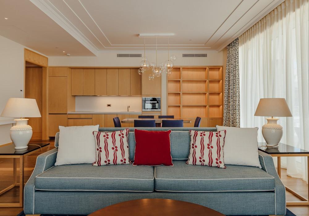 Продаётся 3-комнатная квартира 220.0 кв.м.  за 2 155 000 EUR