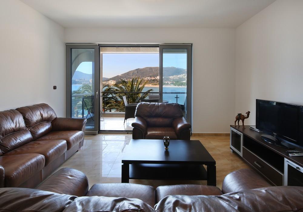 Продаётся 2-комнатная квартира 103.0 кв.м.  за 210 000 EUR