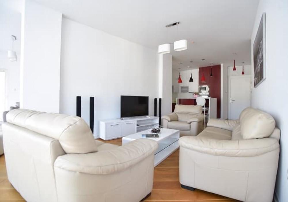 Сдаётся 2-комнатная квартира 88.0 кв.м.  за 750 EUR