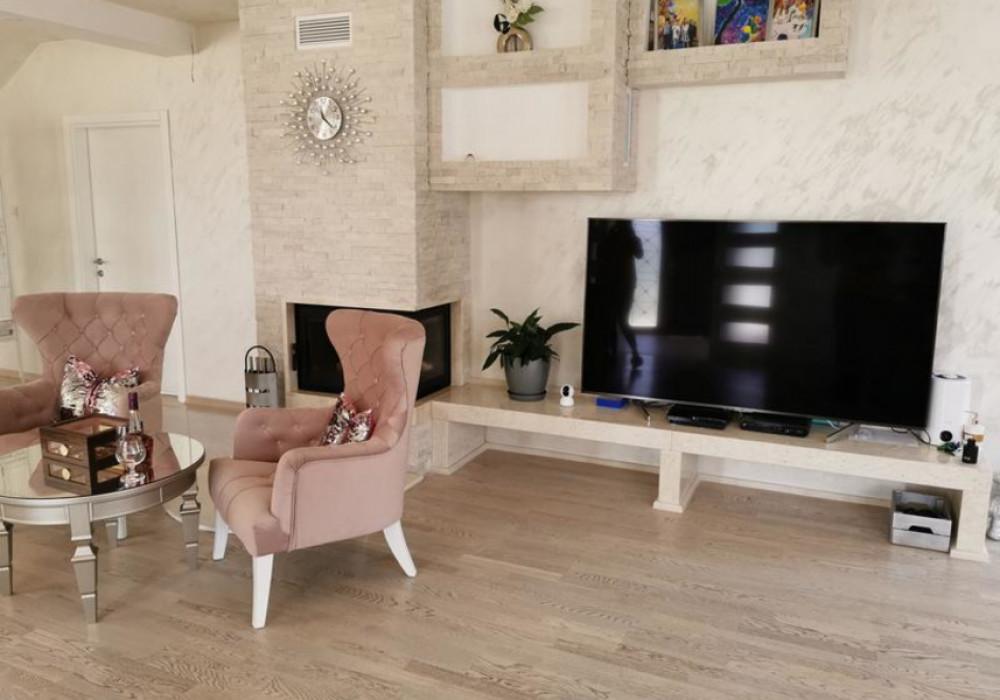 Продаётся 3-комнатная  314.0 кв.м.  за 650 000 EUR