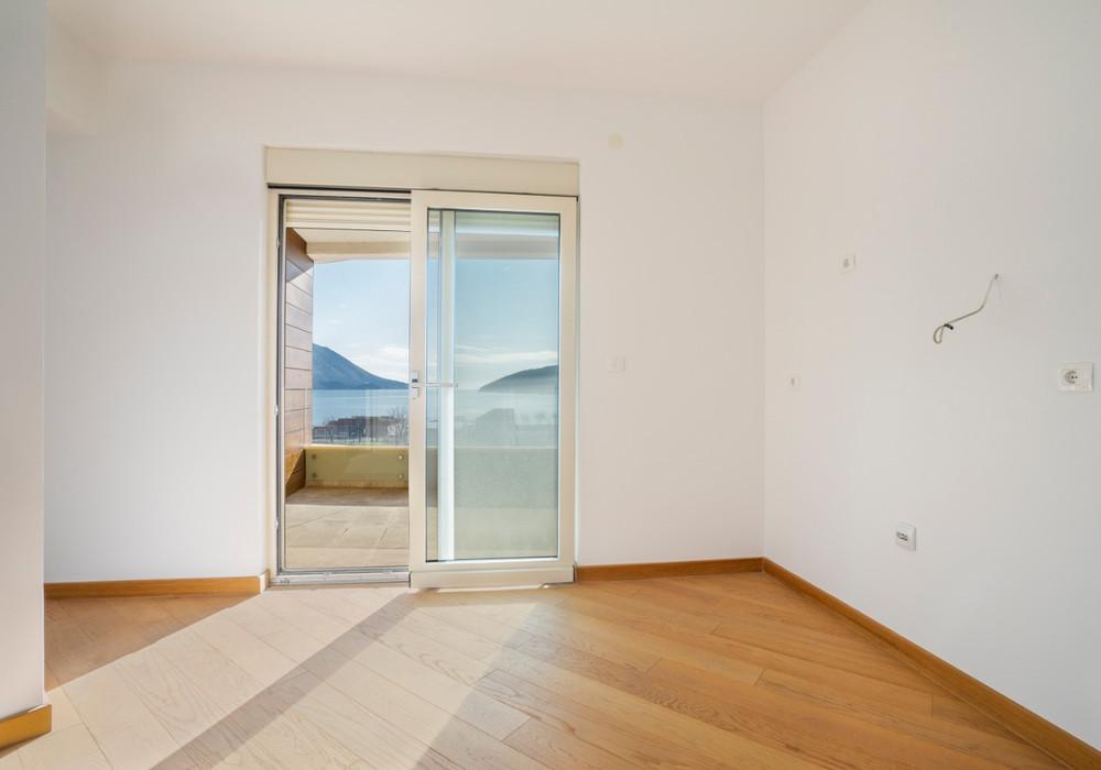Продаётся 2-комнатная квартира 122.0 кв.м.  за 300 000 EUR