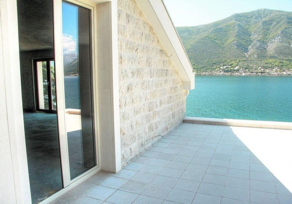 Продаётся 4-комнатная  420.0 кв.м.  за 2 200 000 EUR