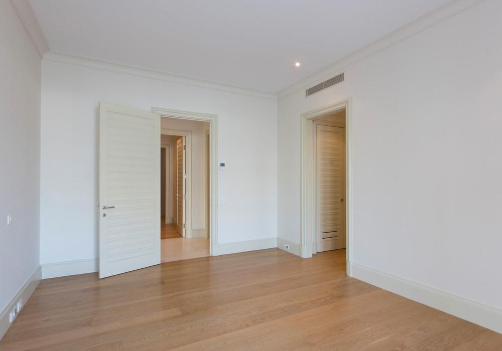 Продаётся 2-комнатная квартира 133.0 кв.м.  за 750 000 EUR