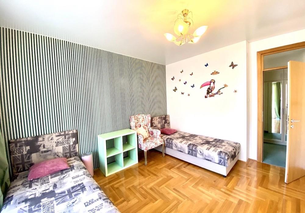 Продаётся 2-комнатная квартира 90.0 кв.м.  за 150 000 EUR