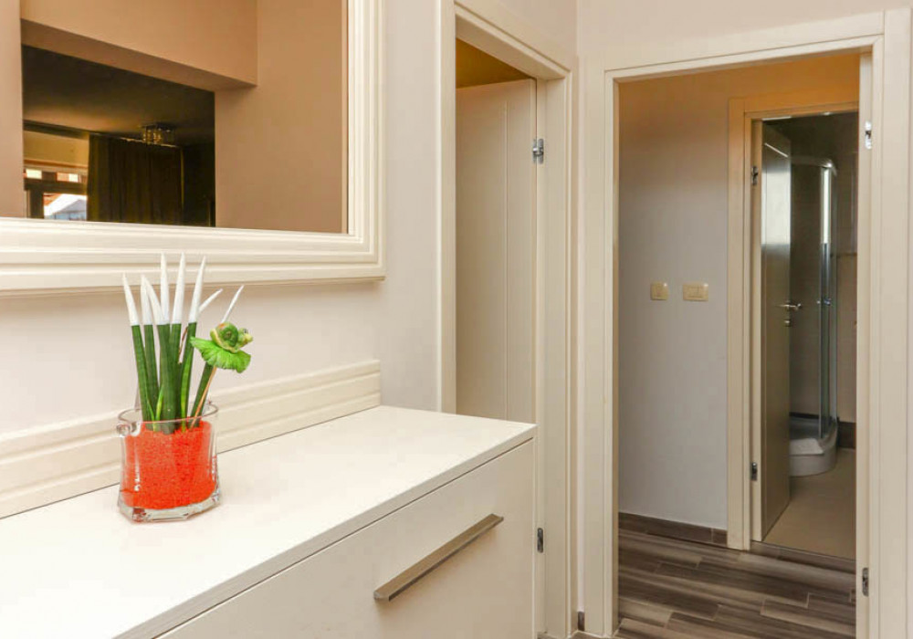 Продаётся 2-комнатная квартира 88.0 кв.м.  за 220 000 EUR