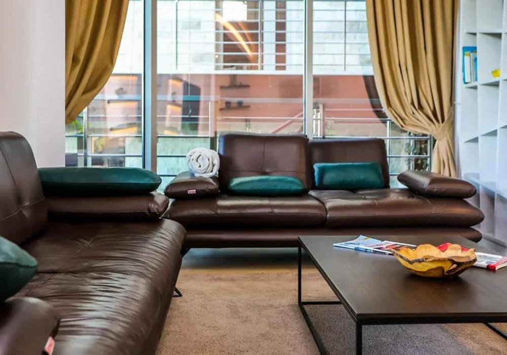 Сдаётся 2-комнатная квартира 182.0 кв.м.  за 220 EUR