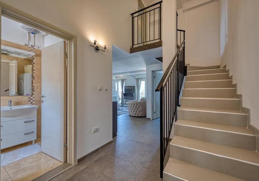 Сдаётся 3-комнатная квартира 120.0 кв.м.  за 165 EUR