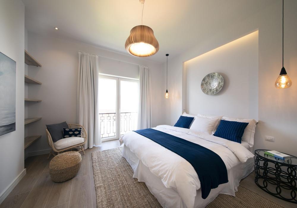 Продаётся 4-комнатная  390.0 кв.м.  за 1 250 000 EUR