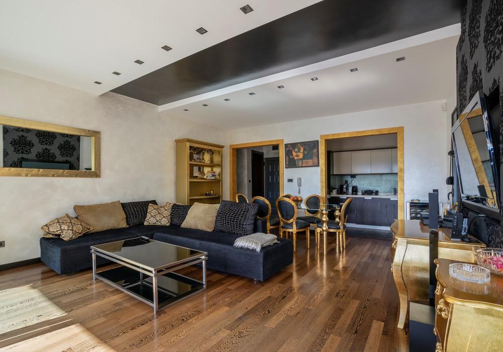 Продаётся 2-комнатная квартира 130.0 кв.м.  за 350 000 EUR