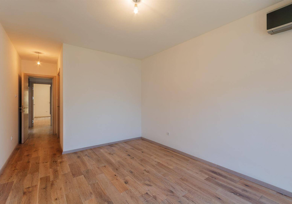 Продаётся 2-комнатная квартира 94.0 кв.м.  за 280 000 EUR