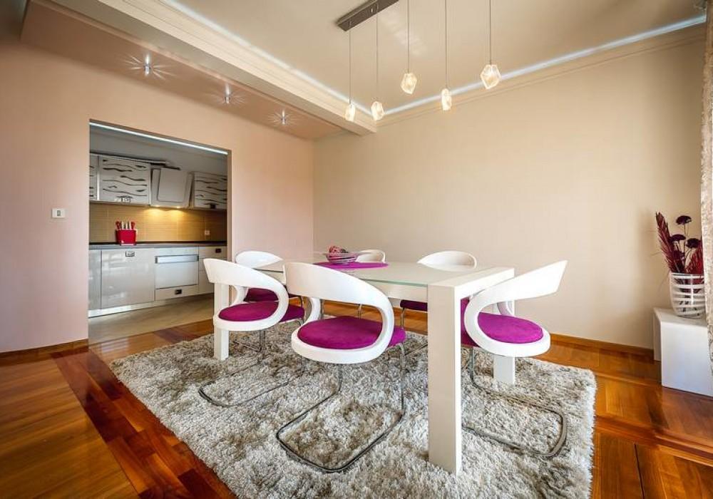 Сдаётся 3-комнатная квартира 150.0 кв.м.  за 250 EUR