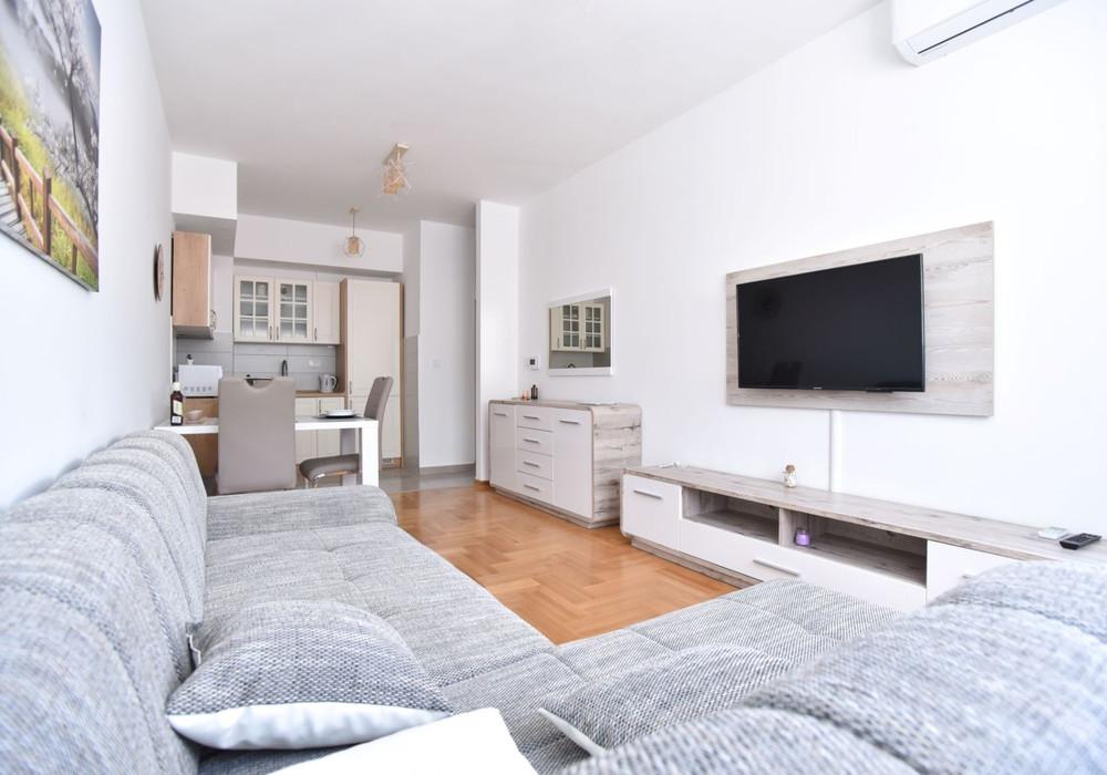 Продаётся  квартира 43.0 кв.м.  за 79 000 EUR