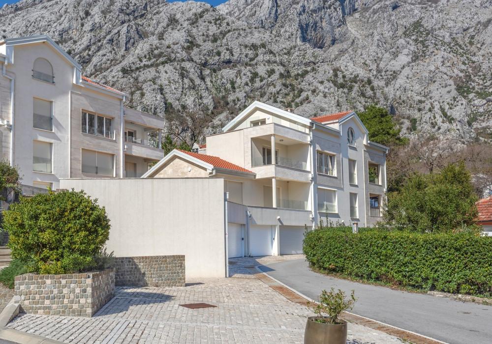 Продаётся 3-комнатная квартира 127.0 кв.м.  за 270 000 EUR