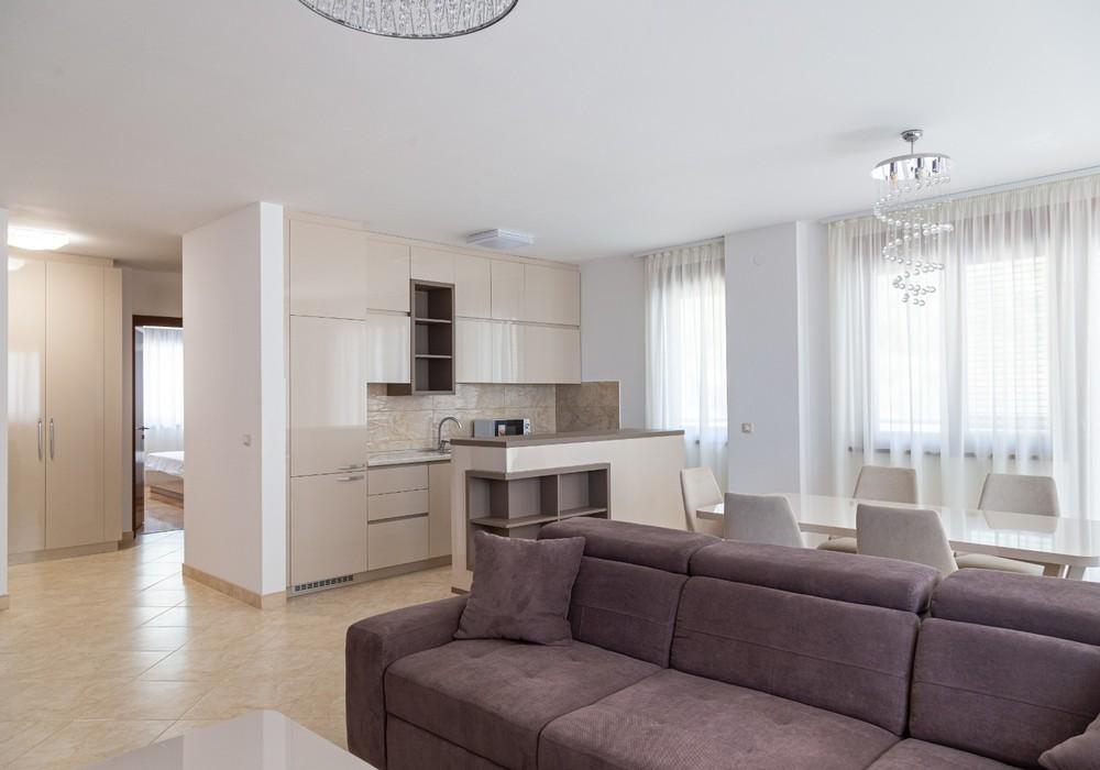 Продаётся  квартира 94.0 кв.м.  за 220 900 EUR