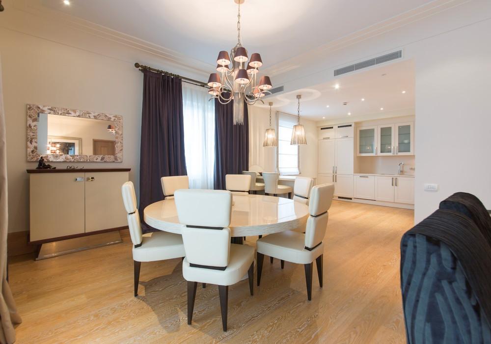 Продаётся 3-комнатная квартира 361.0 кв.м.  за 2 000 000 EUR