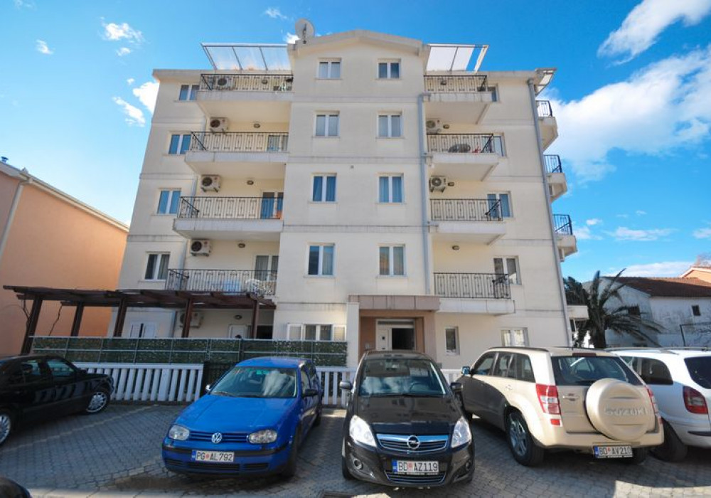 Продаётся 2-комнатная квартира 77.0 кв.м.  за 103 950 EUR