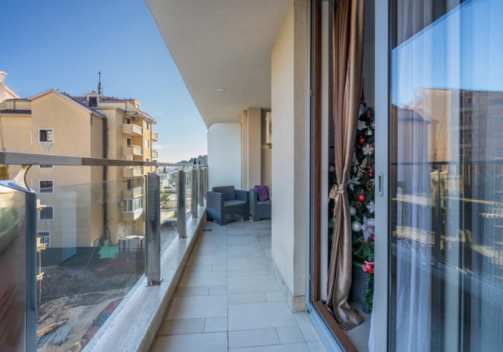 Продаётся  квартира 59.0 кв.м.  за 120 000 EUR