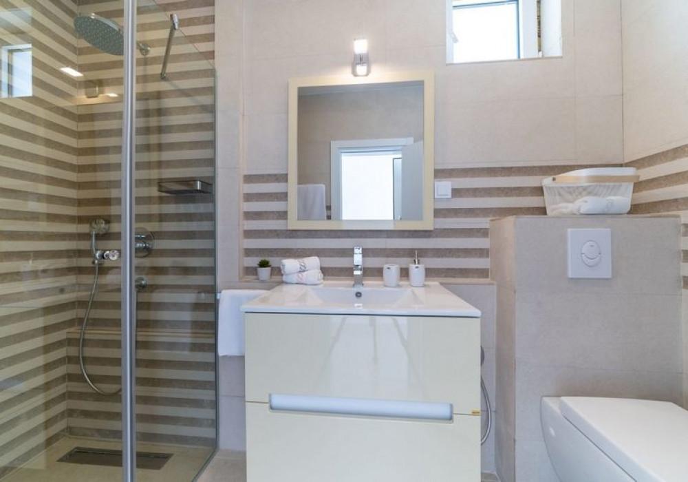 Продаётся 3-комнатная  150.0 кв.м.  за 680 000 EUR
