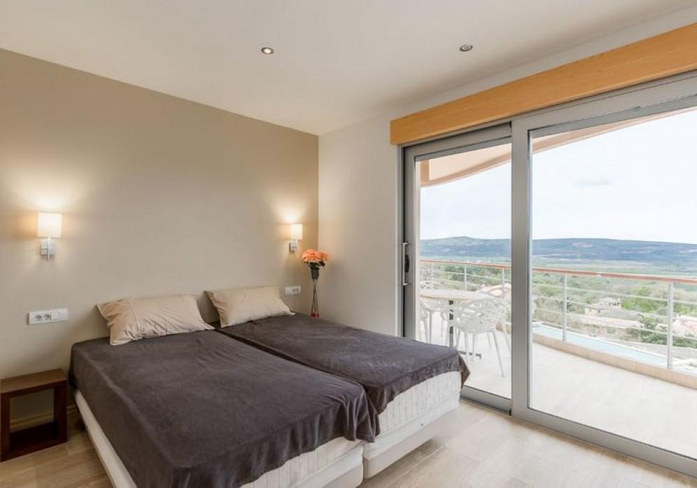 Продаётся 2-комнатная квартира 90.0 кв.м.  за 275 000 EUR