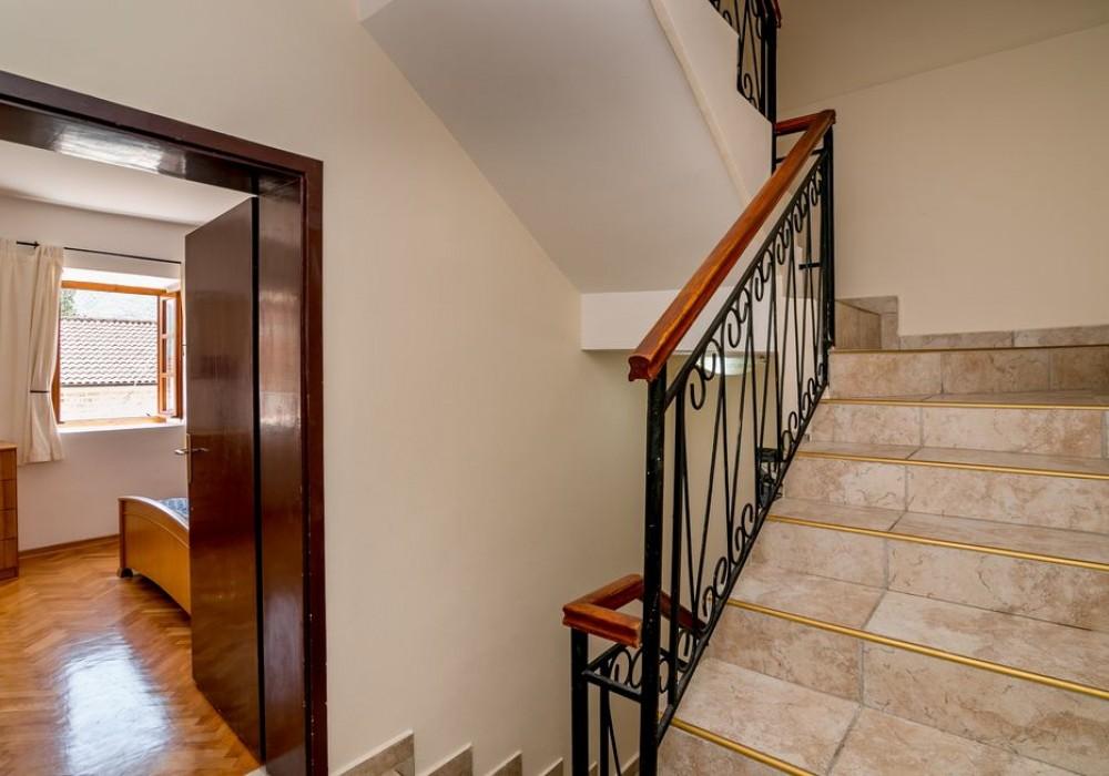 Продаётся 3-комнатная  139.0 кв.м.  за 435 000 EUR