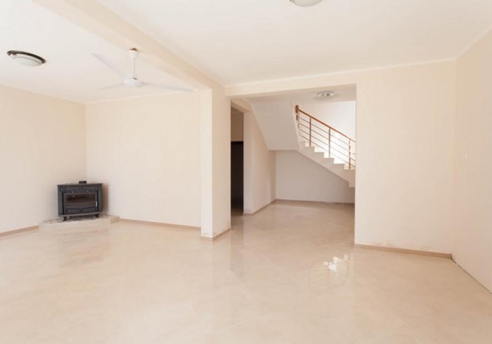 Продаётся 3-комнатная  165.0 кв.м.  за 178 000 EUR