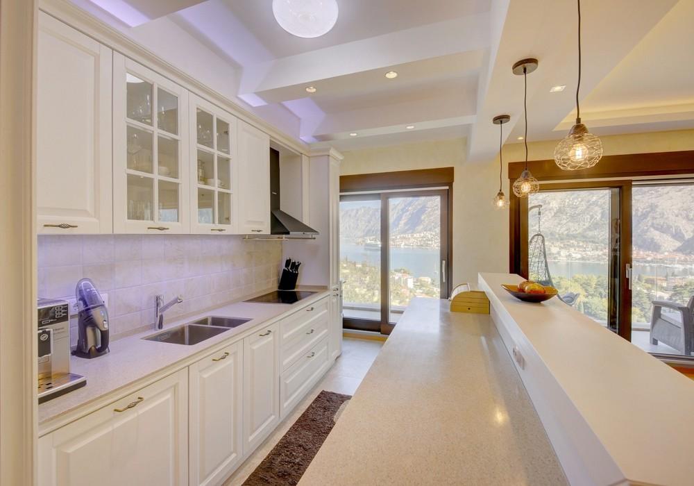 Продаётся 3-комнатная квартира 141.0 кв.м.  за 390 000 EUR
