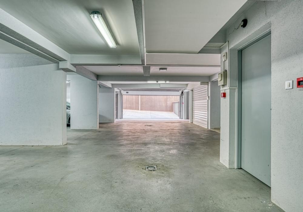 Продаётся 3-комнатная квартира 208.0 кв.м.  за 450 000 EUR