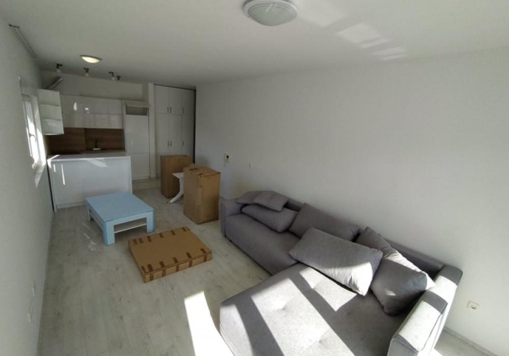 Продаётся  квартира 51.0 кв.м.  за 78 200 EUR