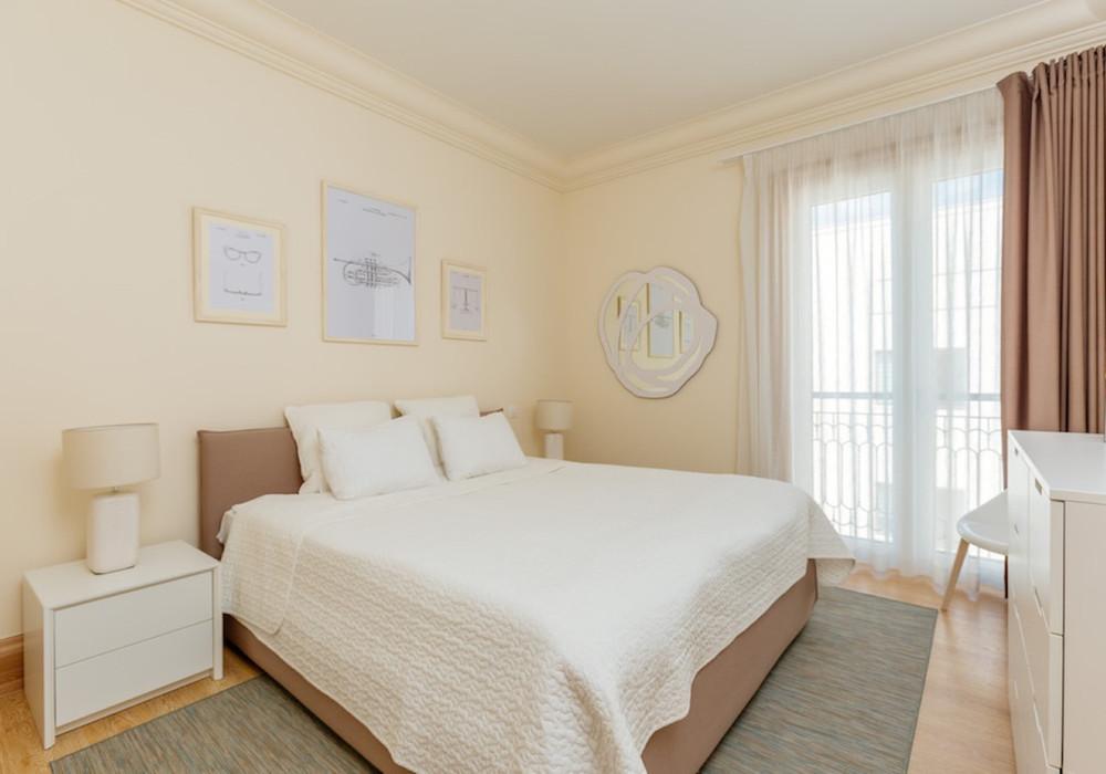 Продаётся 2-комнатная квартира 134.0 кв.м.  за 890 000 EUR